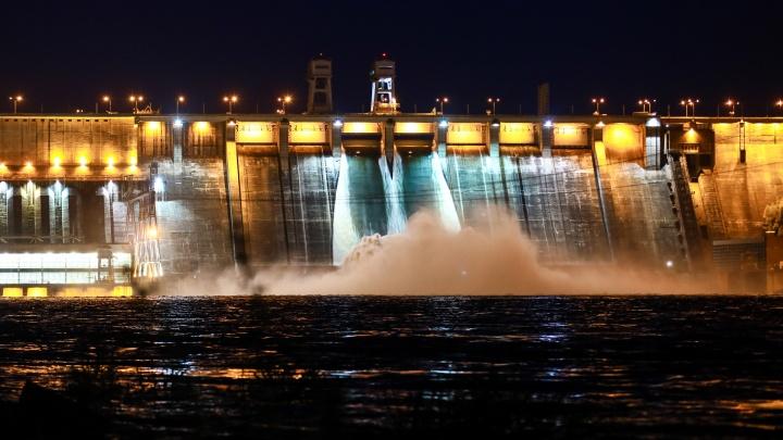 Откуда смотреть водосброс на ГЭС? Две точки обзора и как туда добраться