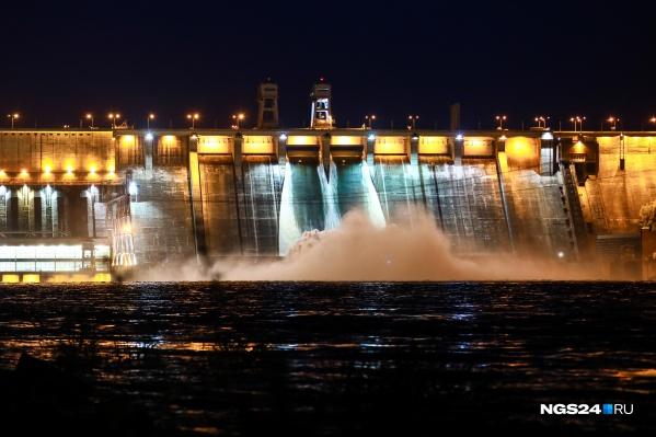 Водосброс вечером 2 июня