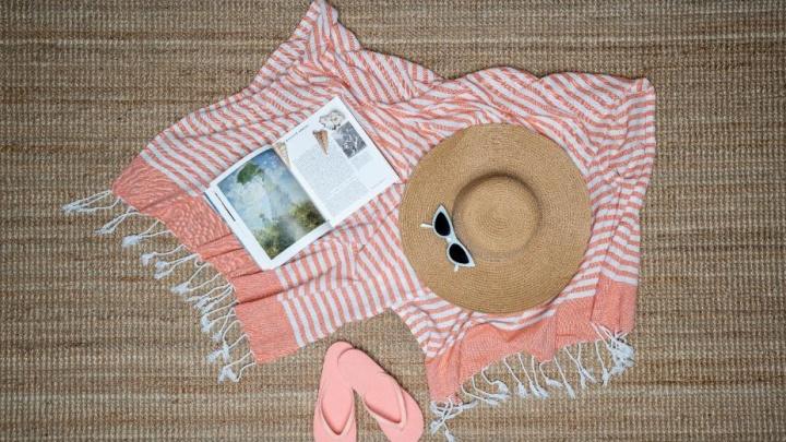 Пледы, постельное белье, подушки и полотенца продадут всего за рубль в интернет-магазине «Галамарт»