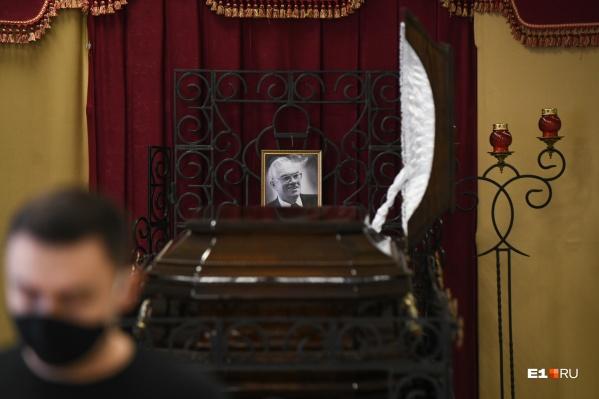 Владимир Третьяков скончался утром 8 января на 85-м году жизни
