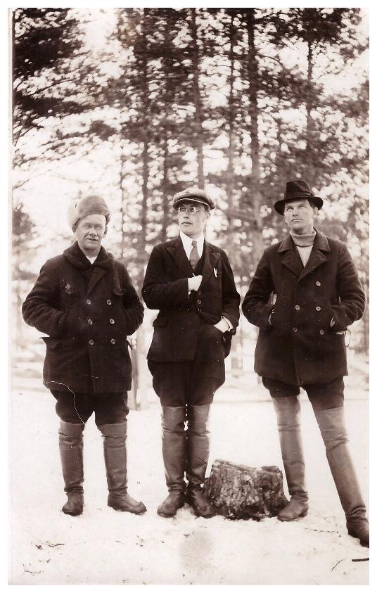 Евгений Марков (посередине), бригадир на лесопилке в Выборге /Фото из личного архива Тайны Седерстрём, предоставлено порталом Gazeta.fi