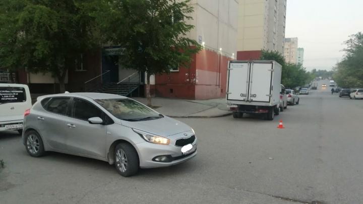 Во дворе дома в Октябрьском районе водитель «Киа» наехал на 10-летнего мальчика