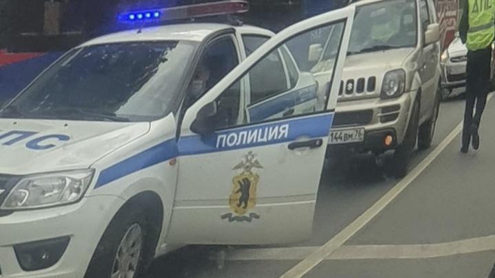 «Пассажирку автобуса госпитализировали»: в Ярославле Московский встал в пробку из-за ДТП