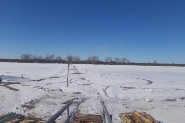 В Архангельске установилась теплая погода, переправы стали небезопасными