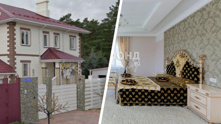 Под Новосибирском за 42миллиона продают коттедж с мебелью «Гуччи» и королевской спальней. Смотрим фото