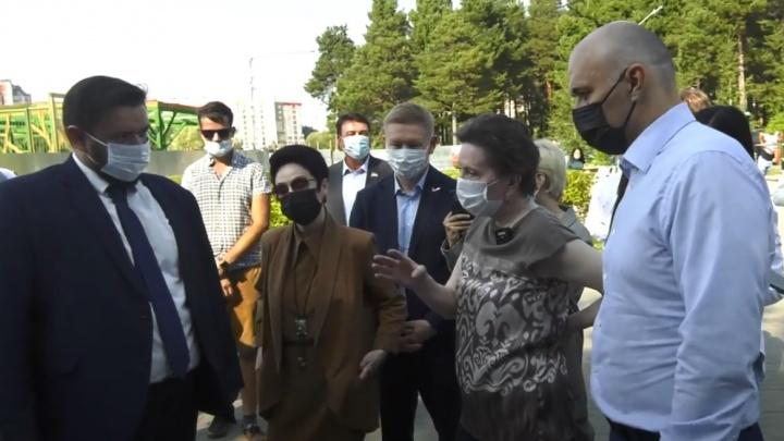 Комарова пообещала сургутянке очистить реку в центре города