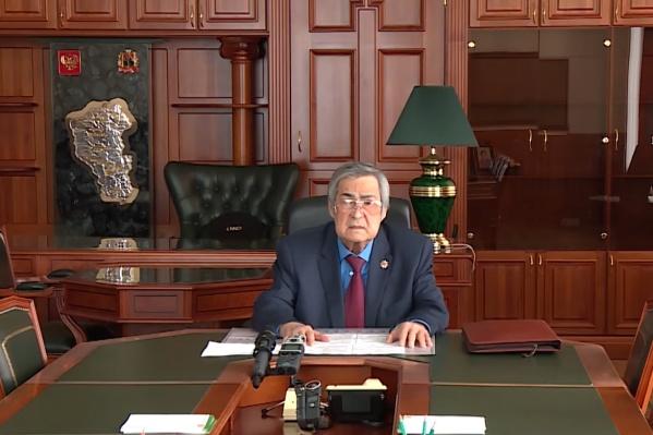 """О своей отставке Аман Тулеев сообщил <nobr class=""""_"""">1 апреля</nobr> 2018 года"""