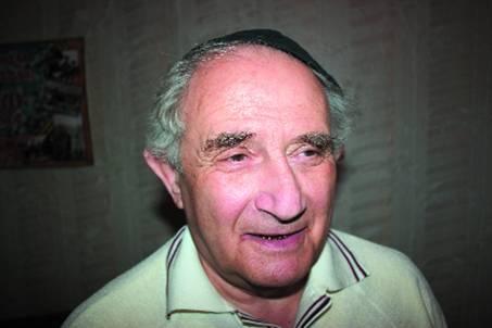 В годы войны Отерштейн с октября 1942-го по февраль 1943-го находился в тюрьме вместе со своей семьей