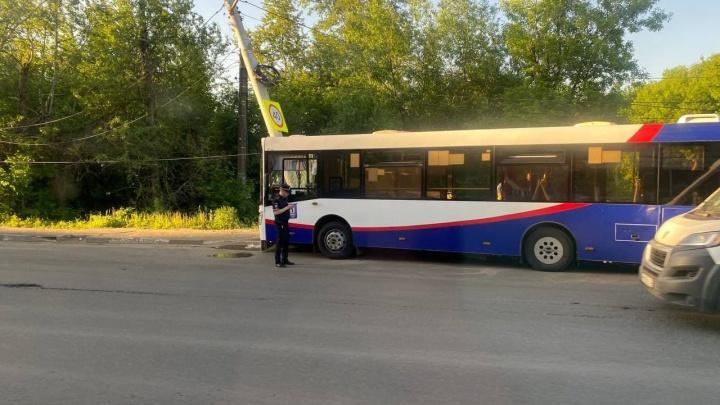 «У большинства ушибы и переломы»: медики рассказали о состоянии пострадавших в ДТП с автобусом
