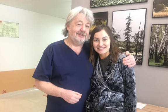 Эдуард Иваницкий со своей пациенткой