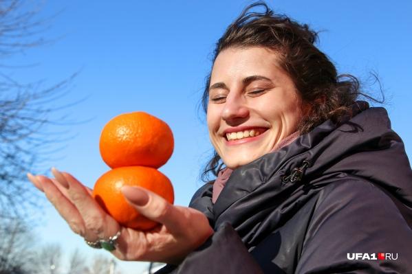 Фрукты, а особенно цитрусовые, насыщают организм полезными веществами и улучшают настроение. Добавляйте их в рацион весной, и через две недели вы себя в зеркале просто не узнаете