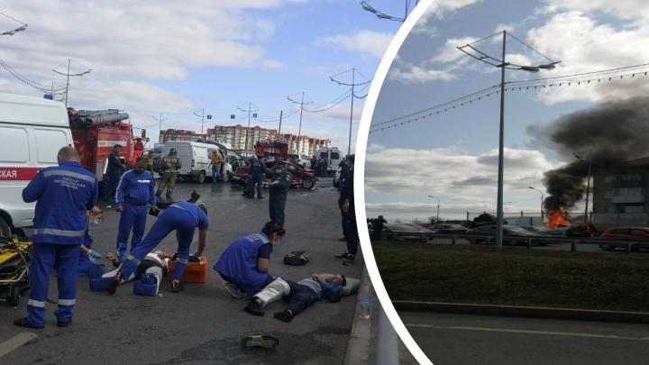 На мосту в Тюмени столкнулись пять автомобилей — есть пострадавшие