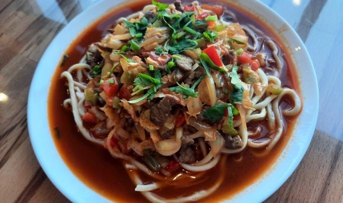 Возле Березовой рощи открылось кафе уйгурской кухни с пятью видами лагманов и демократичными ценами