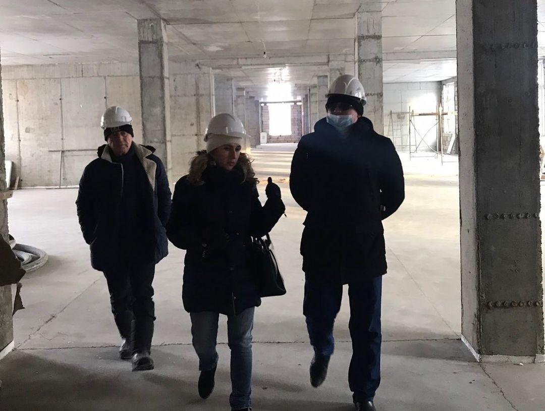Сотрудники прокуратуры проверили ход строительства