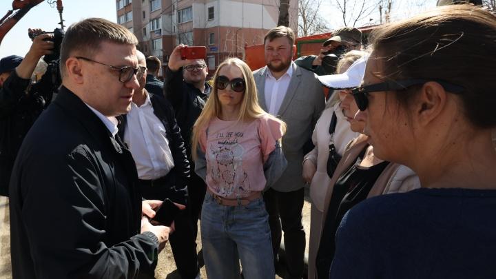 Жильцы десятиэтажки на Куйбышева, возле которой образовался огромный провал, решили вернуться домой