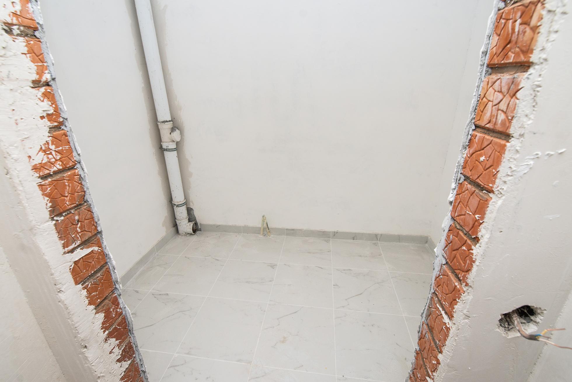 В квартирах установят полный комплекс сантехники: унитаз, раковину и ванну. Хотя обычно застройщики ставят только унитаз и раковину в гостевом санузле