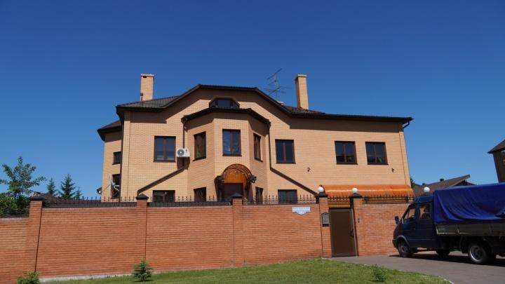 Суд начал банкротство бывшей жены Турманидзе из-за долга по кредиту на ремонт коттеджа