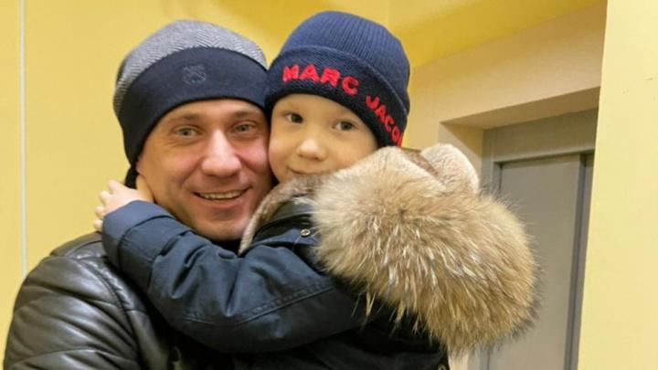 Екатеринбургский бизнесмен, которого бывшая жена обвиняет в похищении сына, хочет отсудить детей