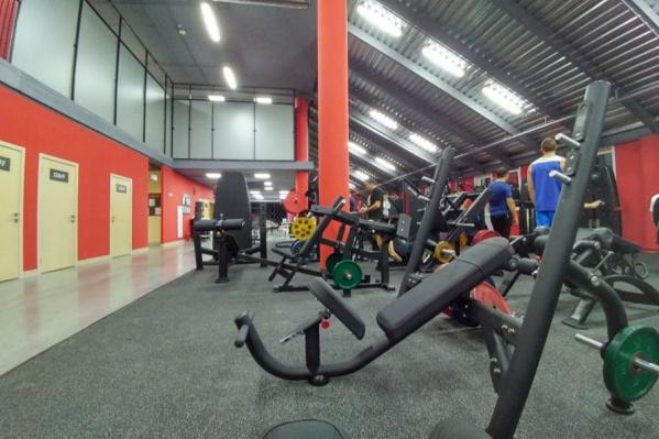 Конфликтная ситуация произошла в мае в фитнес-центре Extreme Fitness на Геодезической — этот зал пострадавшая клиентка Евгения выбрала из-за близости к дому