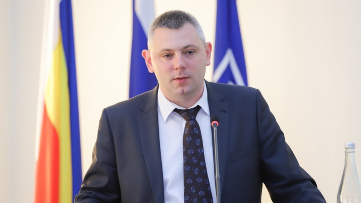 Сити-менеджер Ростова уволил своего заместителя по дорогам и транспорту