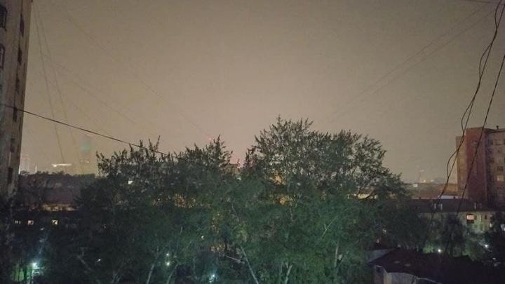 «На улице пахнет гарью»: над Екатеринбургом повис смог