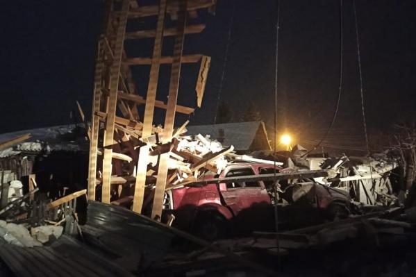 Деревянный гараж не выдержал взрыва
