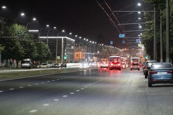 Всего в Кемерове до конца года заменят более 14 тысяч ламп