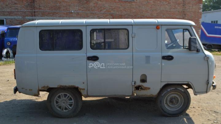 Омская почта продает фургон с пробегом больше миллиона километров