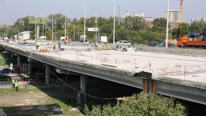 Строители передумали открывать дополнительные полосы на мосту по Луганской к 1 сентября