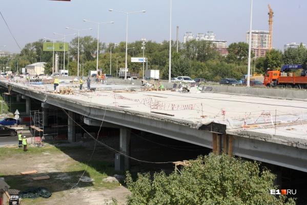 Мост будут ремонтировать до середины сентября