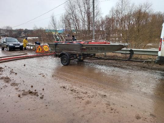 В двух районах Башкирии из-за наводнения закрыли дороги