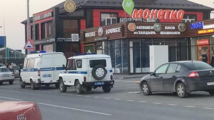 В Тюмени произошла перестрелка у ресторана. Очевидцы сообщают о раненых