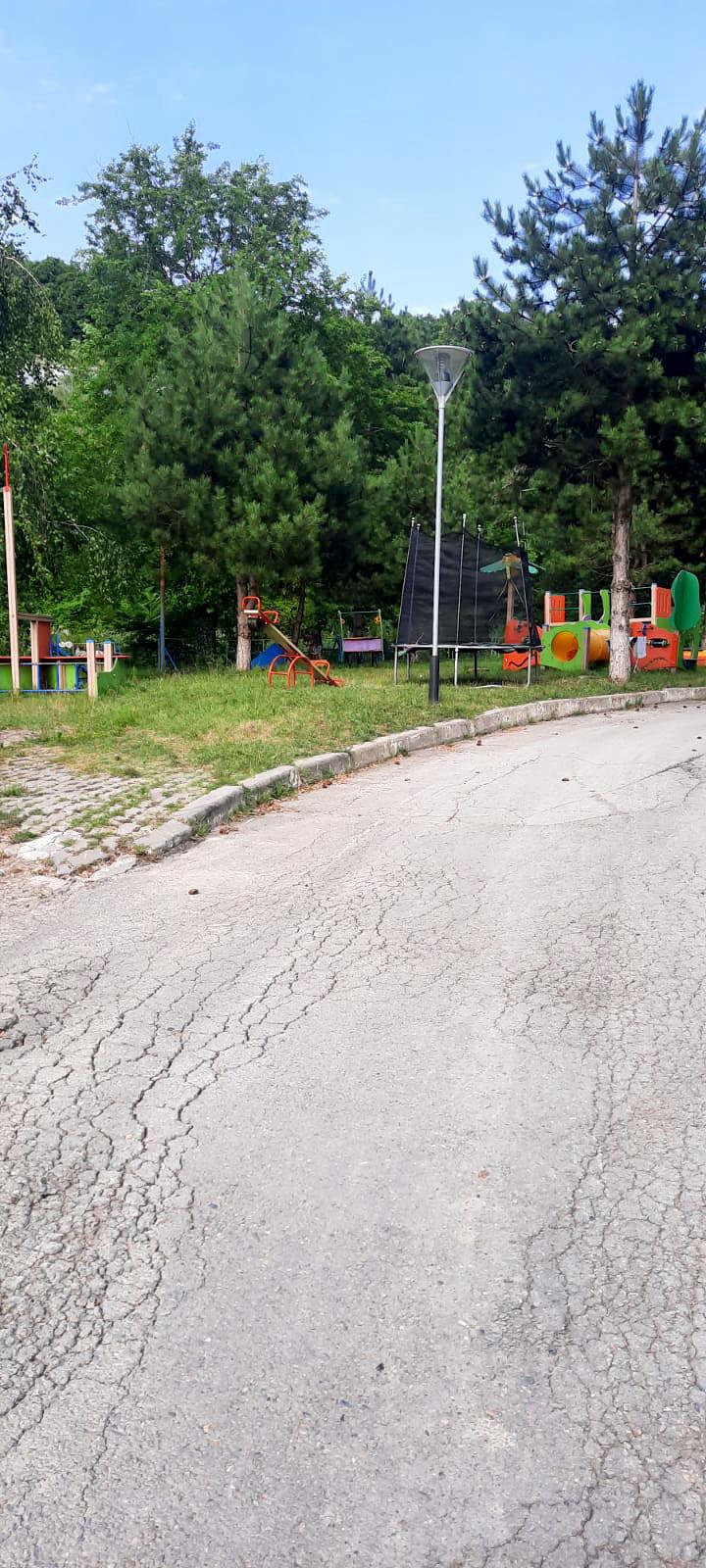 Санаторий «А-море». Детская площадка<br /><br />автор фото читательница «Фонтанки» Екатерина