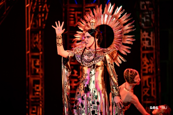 Роль принцессы Турандот исполняли сразу три актрисы