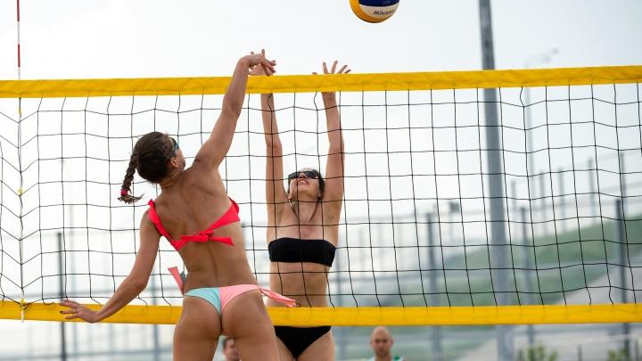 Песок и ростовский зной: фоторепортаж с фестиваля пляжного волейбола