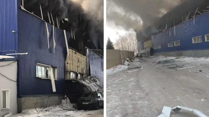 Крупное промышленное здание на Пограничников взорвалось и горит