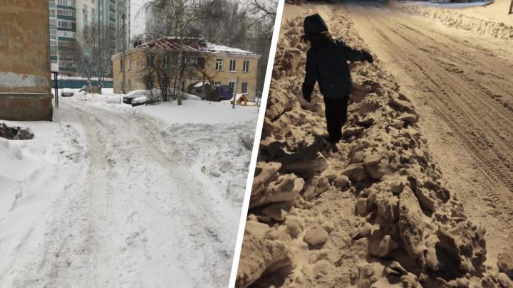 Ваш двор завален снегом? Машины и такси застревают? 3простых шага, как заставить ленивую УК всё почистить