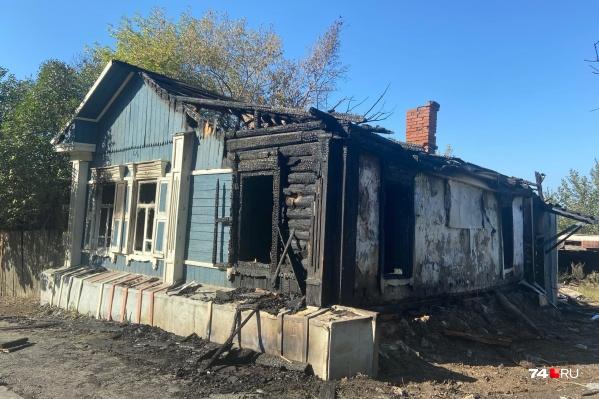 Дом на Российской, 86 сгорел вечером в субботу