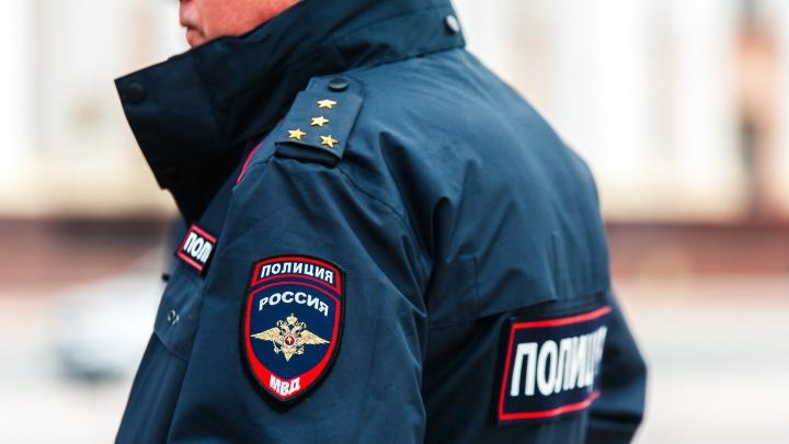 Участковый из Заводоуковска, кричавший посетителю: «У меня подвязок много», получил наказание