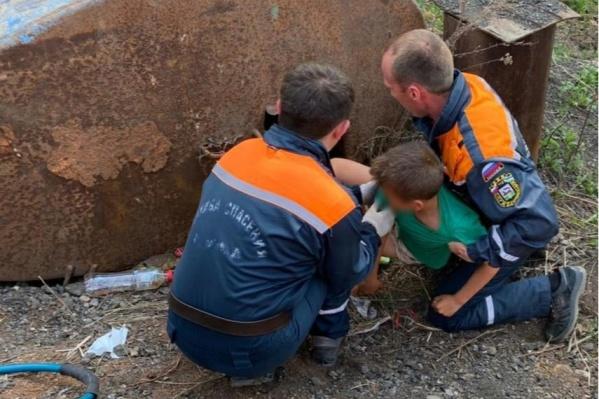 Ребенка, по информации спасателей, нашли неподалеку от поймы реки