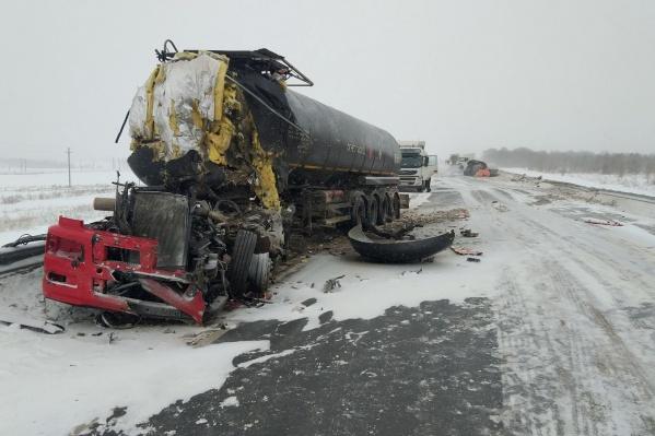 У одного из автомобилей после аварии не осталось кабины
