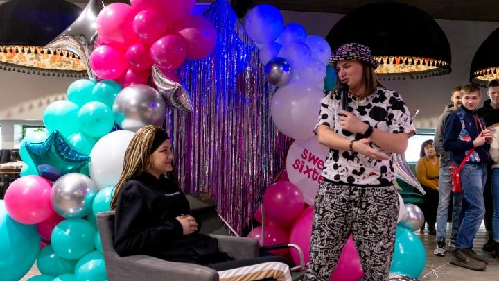 Тиктокеры с 3-миллионной аудиторией вышли в прямой эфир ради новосибирской девочки, больной раком
