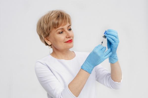 Лето — не повод отказываться от косметологических процедур: это подтверждает и врач-косметолог Елена Кокарева