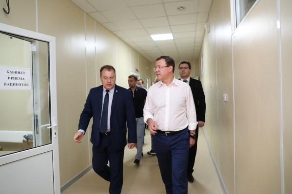 Новый госпиталь в Самаре губернатору показал главный врач больницы Середавина Сергей Пушкин