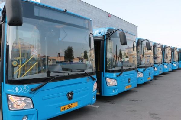 Те самые автобусы, которые Архангельской области подарила Москва