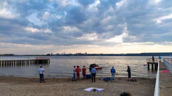 На пермском пляже КамГЭС вновь утонул ребенок