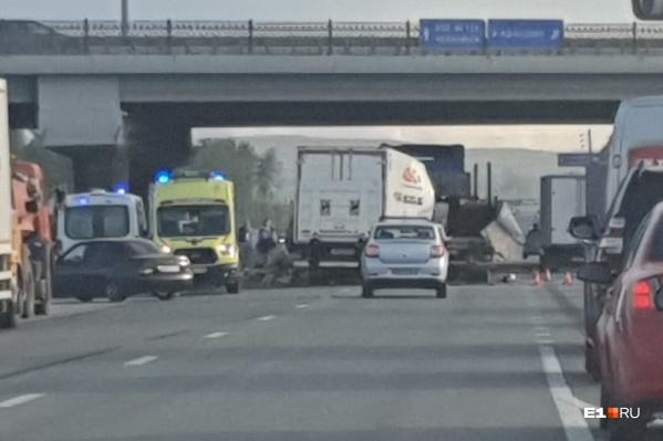 Авария произошла под Кольцовским трактом
