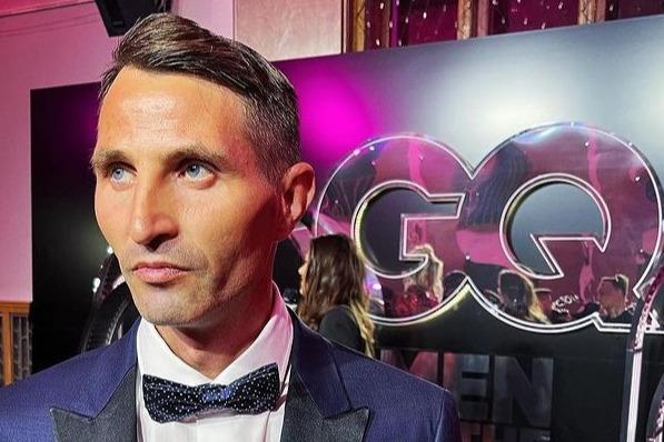 «Вчера подметал улицы, а сегодня — почетный гость»: дворника из Уфы пригласили на вручение премии журнала GQ