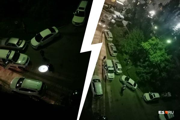 Во двор приехало сразу несколько машин полиции
