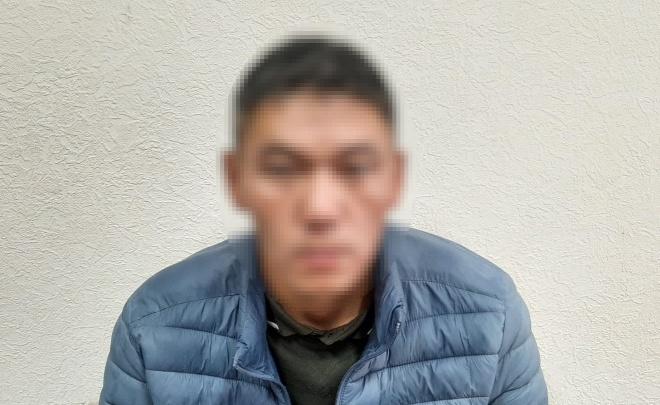 В Волгограде отправили за решетку выпускника института МВД, который вылил водку в Вечный огонь